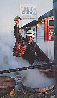 bar-harbor-man-trenton-bridge-lobster-pound